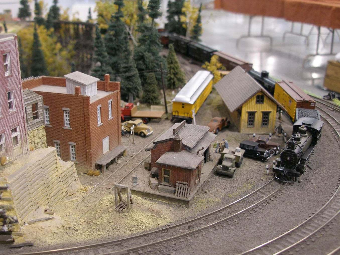 Mini-Things N Scale Engine House Plans on ho scale modern house, n scale micro layouts, n scale bridge, n scale machine shop, n scale building, n scale paper models, n scale observation tower, n scale factory, n scale warehouse, n scale turntable, n scale mill, n scale model houses, n scale steam engines, n scale barn, n scale ice house, n scale water tower, n scale school house, n scale depot, n scale tunnel portal, n scale lighthouse,
